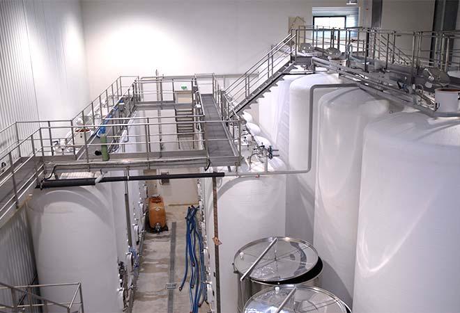 Création cave vinicole Domaine d'Uby cuves bureau d'ingénierie vinicole INGEVIN